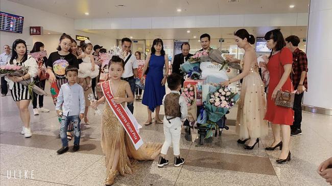 Dùng siêu xe dát vàng đón Hoa hậu hoàn vũ nhí 2019 Nguyễn Ngọc Bảo Anh 1