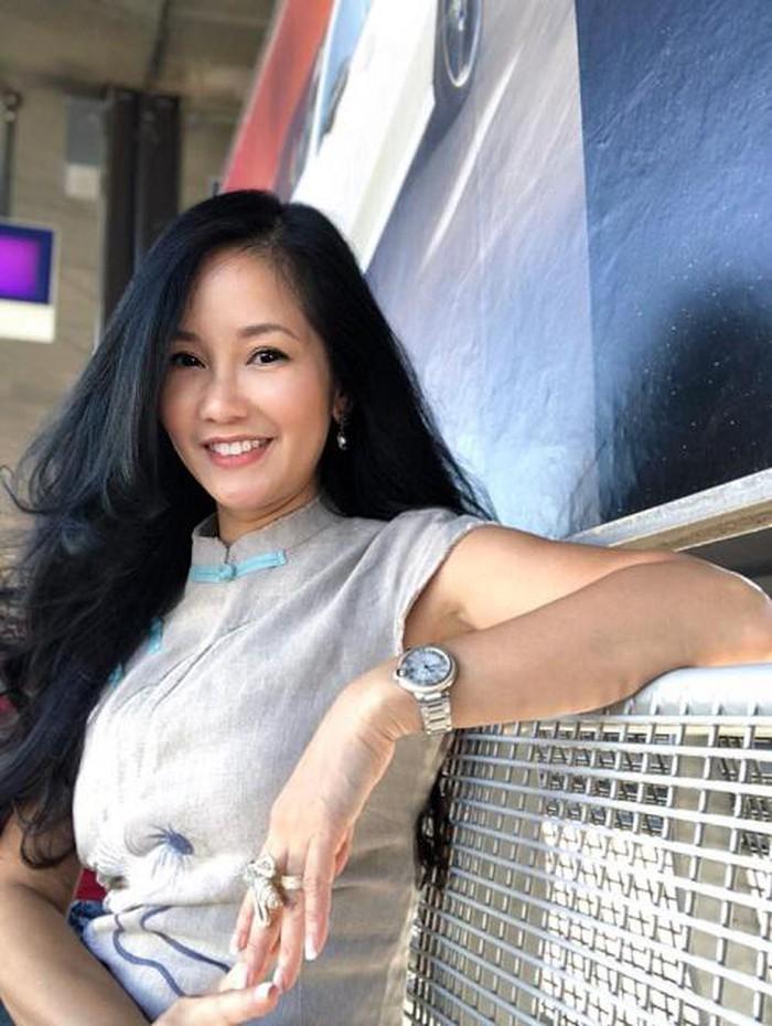 Hậu ly hôn, Hồng Nhung 'rủ' Phạm Quỳnh Anh lên đời nhan sắc  1