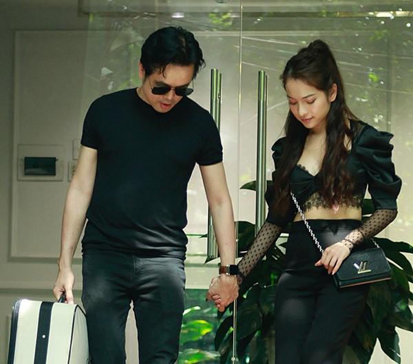 Dương Khắc Linh tình tứ đưa Sara Lưu đi thử váy cưới 1