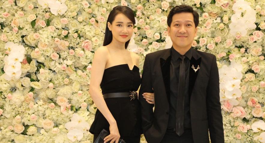Thái độ khó hiểu của Nhã Phương, Hari Won khi đụng độ tại đám cưới 1