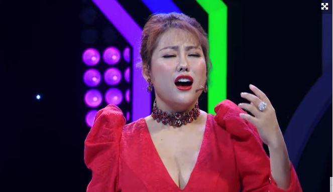 Phi Thanh Vân khiến khán giả ngao ngán vì hành động vô duyên khi làm MC 1