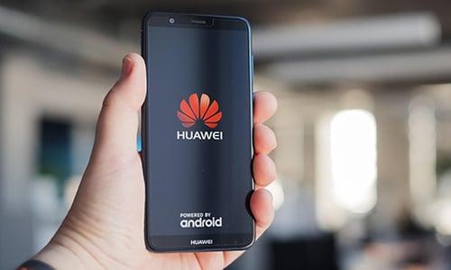 Huawei đang chờ quyết định từ Mỹ để dùng hệ điều hành Android  1