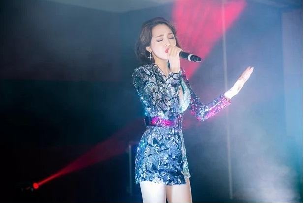 Phạm Quỳnh Anh, Bảo Anh 'chạm mặt' tại sự kiện của Ngọc Trinh 1