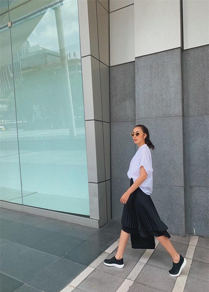 Tăng Thanh Hà thử thách với phong cách 'nữ sinh', cư dân mạng xuýt xoa 2