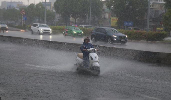 Miền Bắc sắp đón cơn mưa 'vàng' sau chuỗi ngày nắng nóng 1