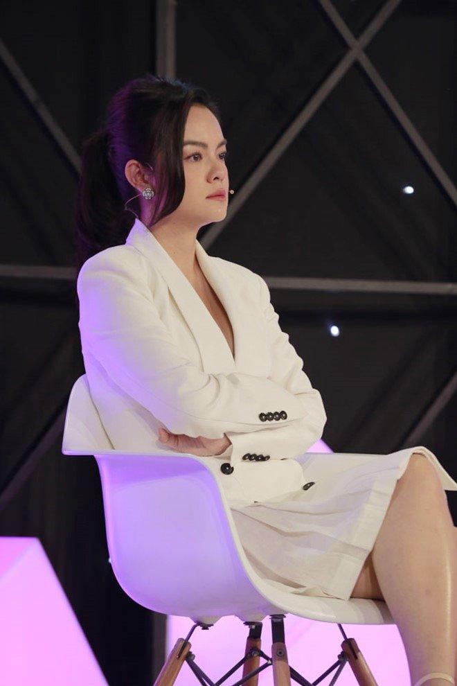 Trấn Thành, Phạm Quỳnh Anh khóc như mưa, rút tiền túi ủng hộ chị em mồ côi 2