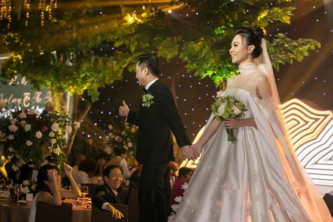 Thực đơn đãi khách đắt đỏ trong đám cưới Cường đô la - Đàm Thu Trang 3
