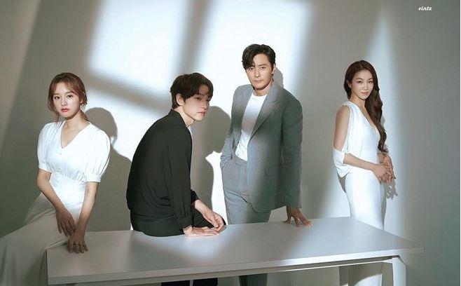Song Joong Ki cố né 'tiểu tam' khi chạm mặt sau ly hôn Song Hye Kyo 1