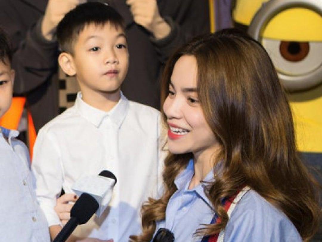 Đàm Thu Trang khẳng định không thể thay thế Hồ Ngọc Hà làm mẹ Subeo 2