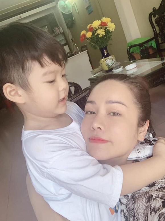 Sau vụ trộm 5 tỷ, Nhật Kim Anh chia sẻ khoảnh khắc xúc động được gặp con trai  1