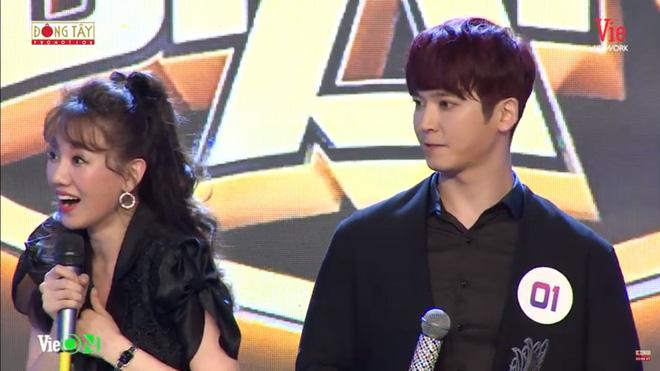 Vợ chồng Trấn Thành, Hari Won 'lục đục' vì 'người thứ 3' xuất hiện 1