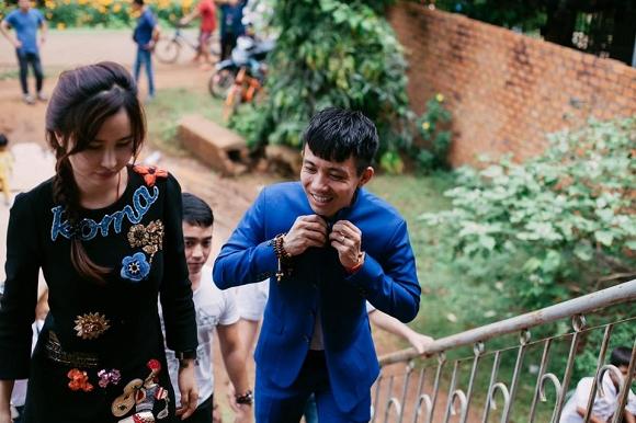 Vợ 2 Minh Nhựa lại có phát ngôn ồn ào sau màn giải thích không đến đám cưới con riêng 1