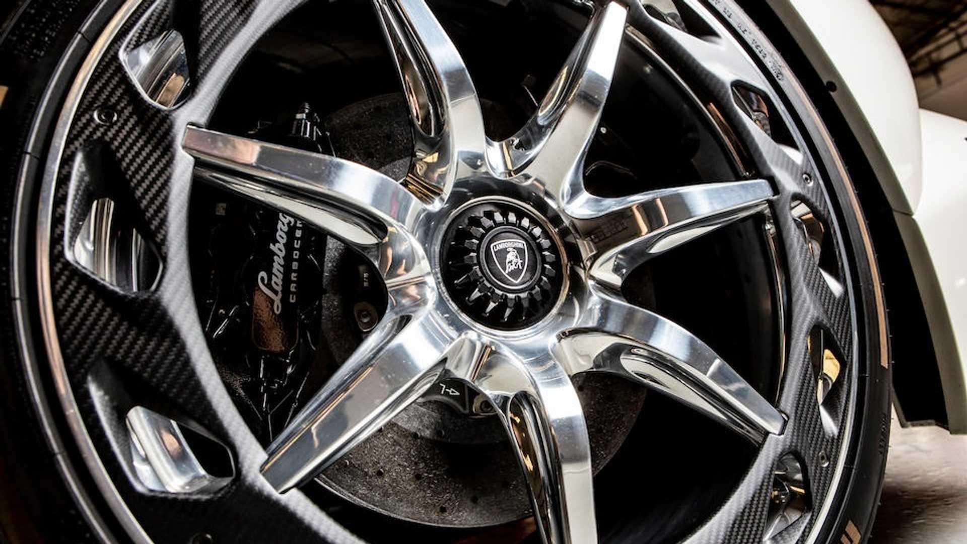 Có giá 8,3 triệu USD - Lamborghini Veneno Roadster cũ đắt không tưởng 6