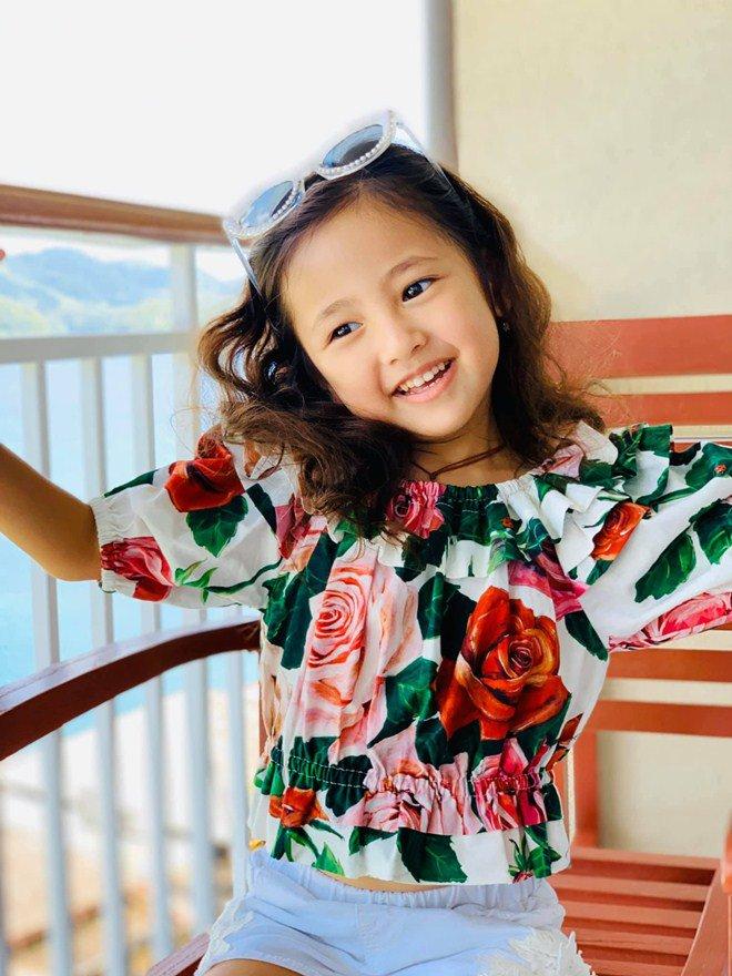 Con gái Hoa hậu Hà Kiều Anh được 'bà trùm hoa hậu' đưa vào 'tầm ngắm' 2