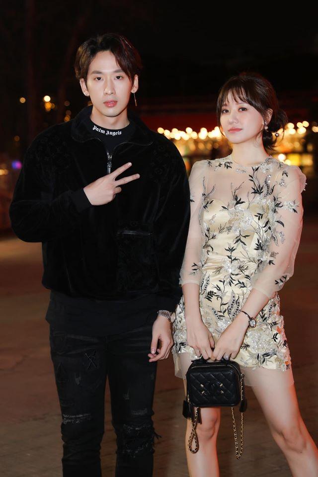 Chạm mặt 'tình cũ', Hari Won bẽ bàng vì sự cố trang phục do váy xuyên thấu 1