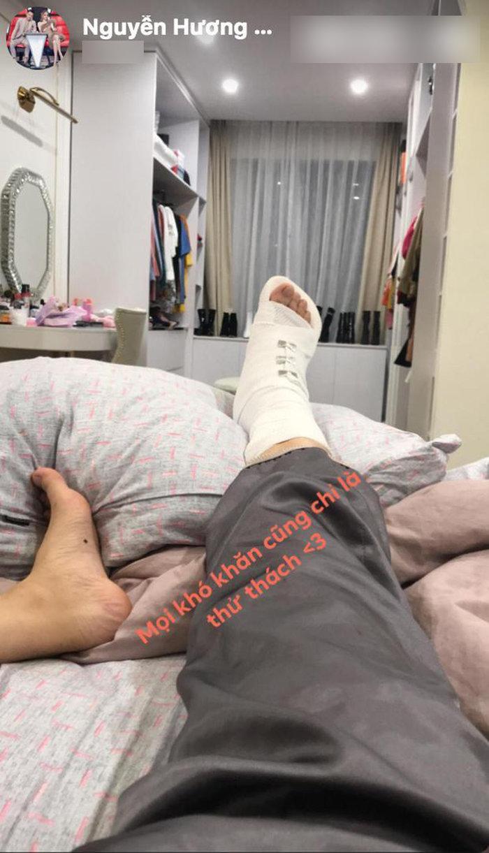 Hương Giang ôm mặt đau đớn vì tai nạn khi đang đóng phim, fan như 'ngồi trên đống lửa' 3