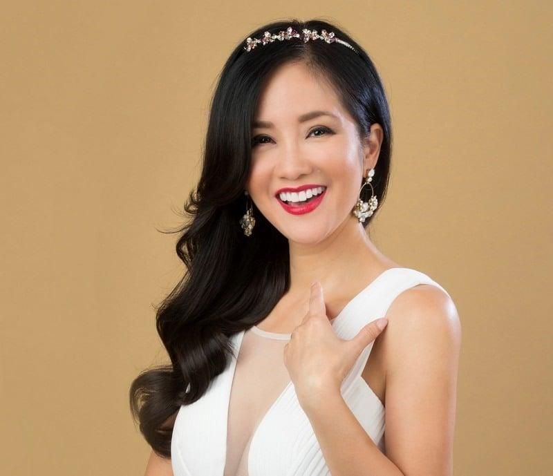 Diva Hồng Nhung gặp vận đen hậu ồn ào chồng Tây lấy vợ mới 1