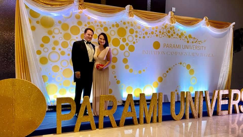 Diện váy táo bạo, vợ của chồng cũ Hồng Nhung lộ nhược điểm lớn 1