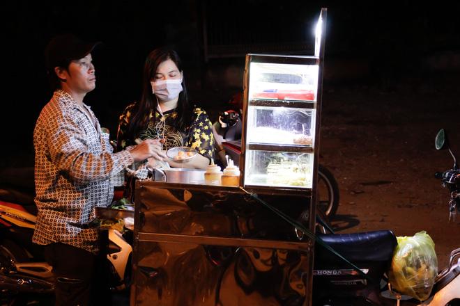 Cảnh sát gay cấn đưa người dân ra ngoài vùng nguy hiểm tiêu diệt Tuấn 'khỉ' 6