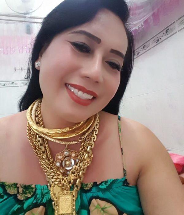 Hiện tượng mạng 'cô Minh Hiếu' đeo 20 cây vàng đi quay show gây xôn xao 3