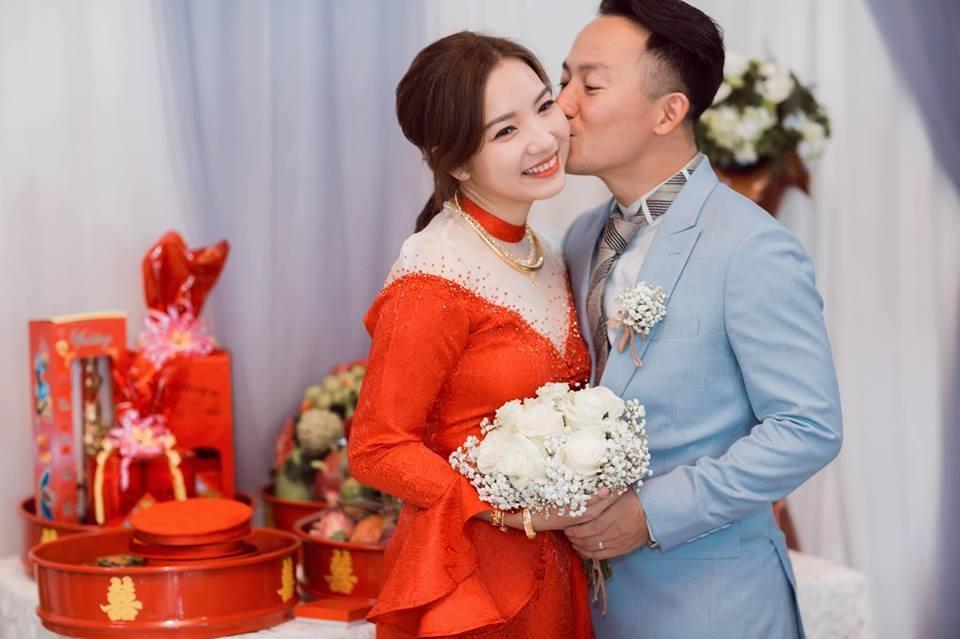 Vợ của tình cũ Hari Won không ngại công khai loạt ảnh từng cố giấu 5