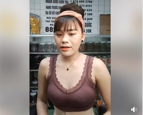 Cô gái được Ngô Kiến Huy 'nâng đỡ', diện đồ thiếu vải livestream gây tranh cãi 2