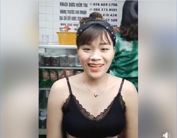 Cô gái được Ngô Kiến Huy 'nâng đỡ', diện đồ thiếu vải livestream gây tranh cãi 4