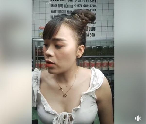 Cô gái được Ngô Kiến Huy 'nâng đỡ', diện đồ thiếu vải livestream gây tranh cãi 5