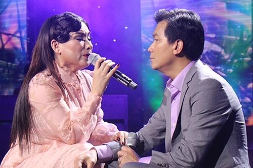Phi Nhung tuyên bố chắc nịch về tình cảm dành cho người nghi là bố của con gái ruột 6