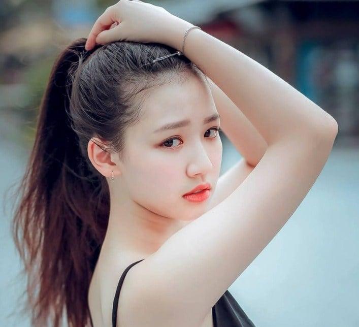 Sau Văn Mai Hương, Amee bị tung clip riêng tư tại nhà riêng 2