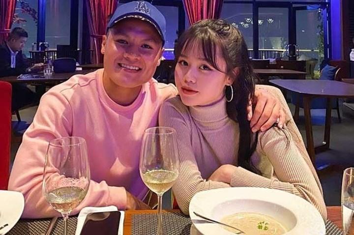 Bạn gái Quang Hải đứng hình trước câu hỏi thiếu tế nhị hậu bị 'bóc phốt' 3