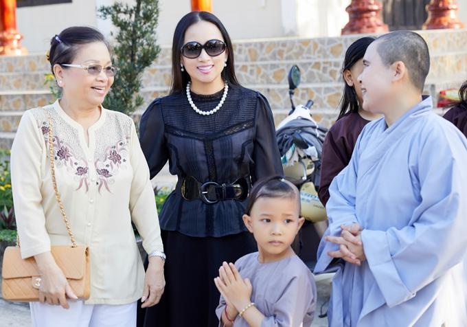 Người phụ nữ quyền lực khiến em gái tỷ phú Cẩm Ly phải nhún nhường, mang nón nợ cả đời 2