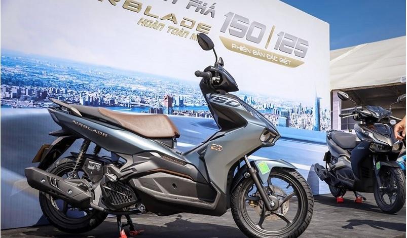 Bảng giá xe Honda Air Blade mới nhất ngày 2/10/2020: Tiếp tục lao dốc, giảm xuyên mức sàn 1