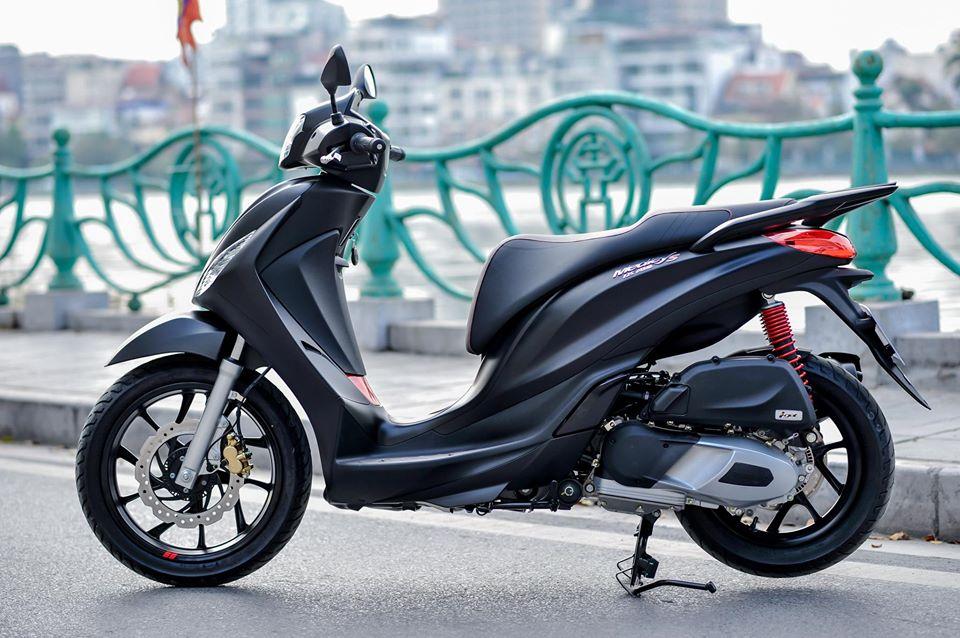 Honda SH vừa giảm giá mạnh lại phải cạnh tranh cực gắt với hàng loạt đối thủ 'nặng ký' 4