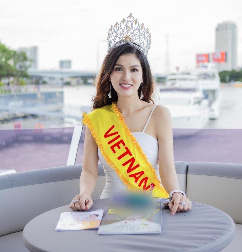 Không thể nhận ra dung nhan của Hoa hậu đông con nhất showbiz, có nhà 100 tỷ khi để mặt mộc 3