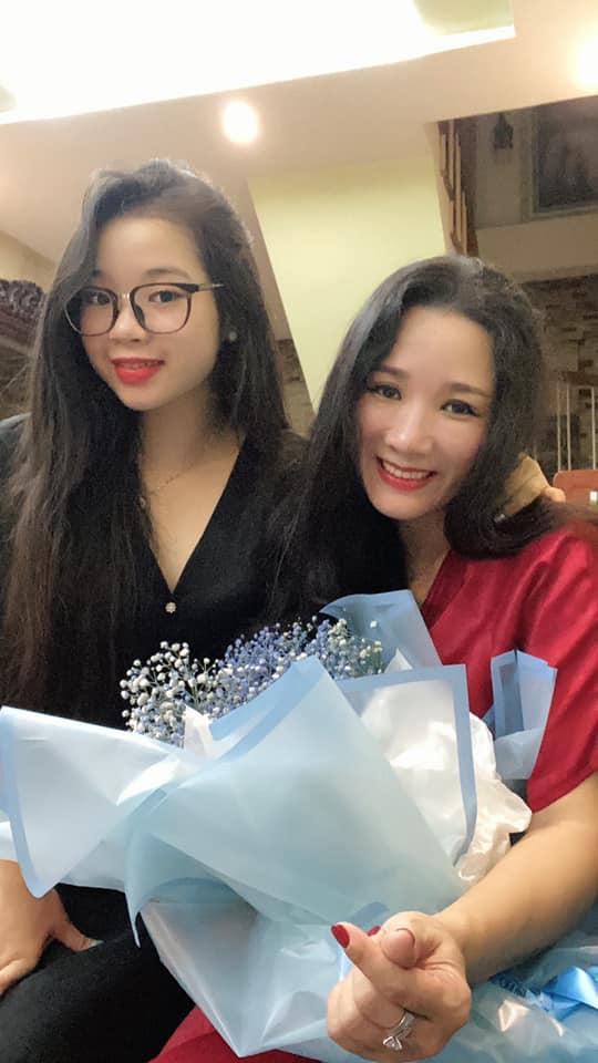 Lâu mới xuất hiện, ái nữ nhà Thanh Thanh Hiền đã thành thiếu nữ, xinh như hot girl 1