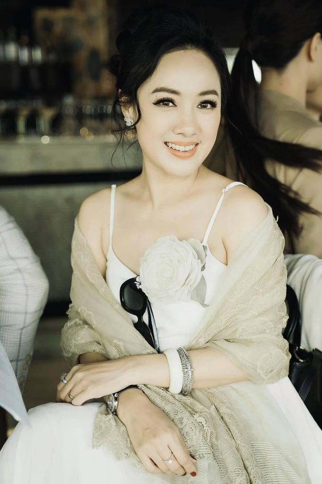 در همان عکس ، BTV Hoai Anh باعث شد بیش از 20 سال مسابقه خانم ویتنام را تحت الشعاع قرار دهد 3