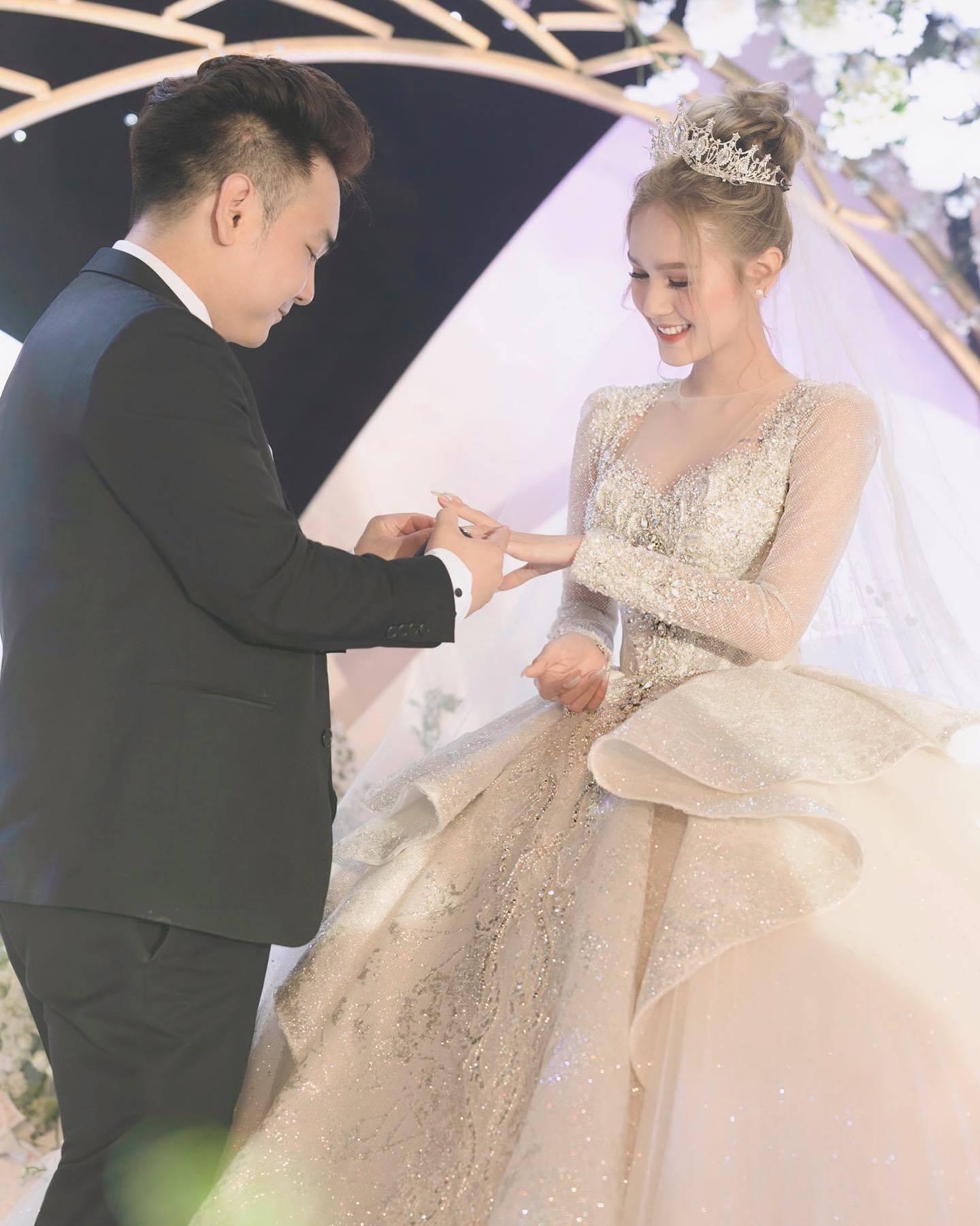 Loạt ảnh chốn riêng tư của Xoài Non - vợ 'streamer giàu nhất Việt Nam' Xemesiskhiến fan xao xuyến 5