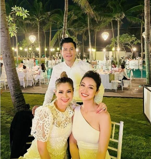 Khoảnh khắc hot MXH: Quang Dũng vui vẻ bên vợ cũ Jennifer Phạm và tình cũ Thanh Thảo 1