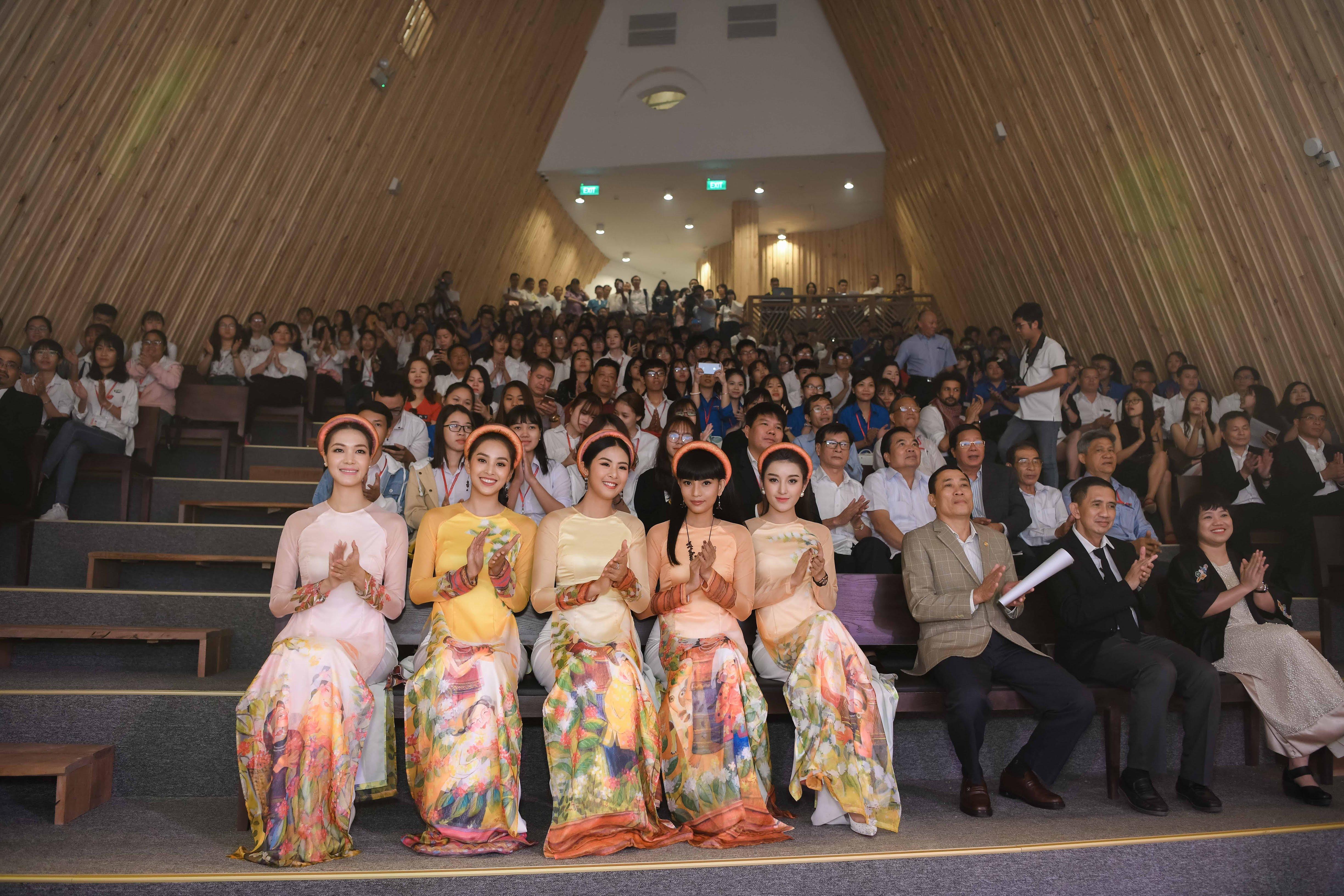 Hoa hậu Thùy Dung tái xuất, ngỡ ngàng nhan sắc sau 10 năm đăng quang 6