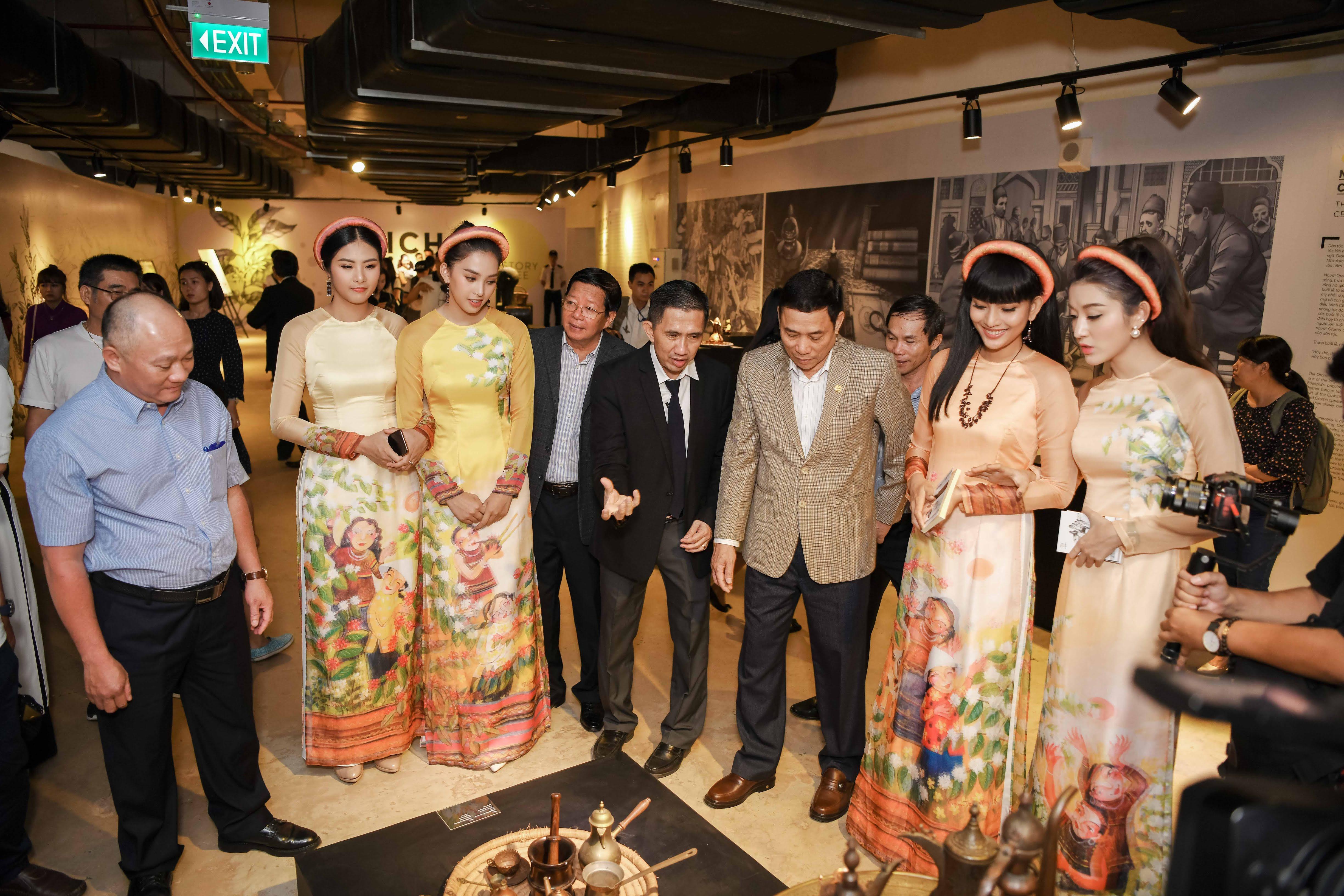 Hoa hậu Thùy Dung tái xuất, ngỡ ngàng nhan sắc sau 10 năm đăng quang 3