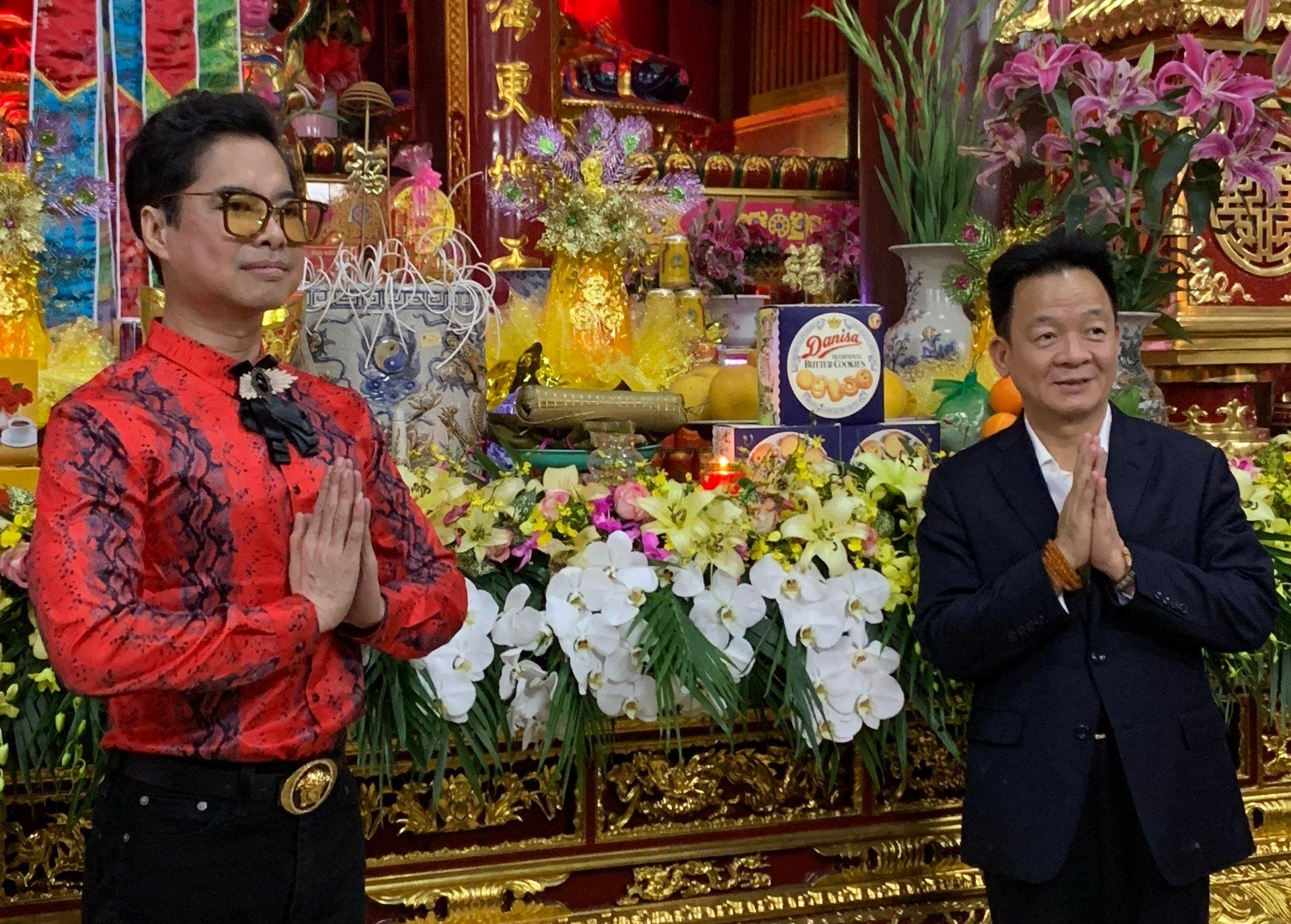 Bầu Hiển mời Ngọc Sơn về nhà riêng hát tặng thân mẫu tỏ lòng hiếu thảo 1