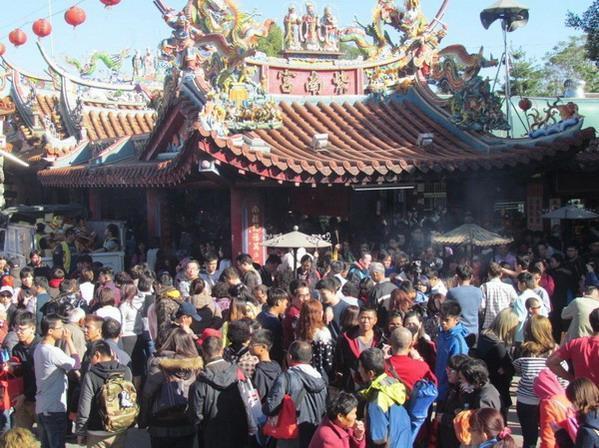 Kỳ lạ ngôi chùa hào phóng nhất thế giới, ai thiếu tiền có thể đến vay 1