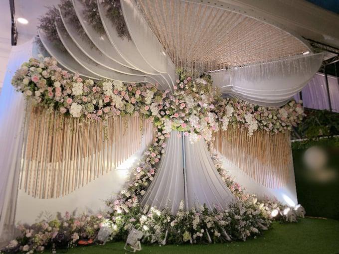 Đám cưới lung linh như cổ tích của rich kid Trinh Hoàng tại Hà Nội 2