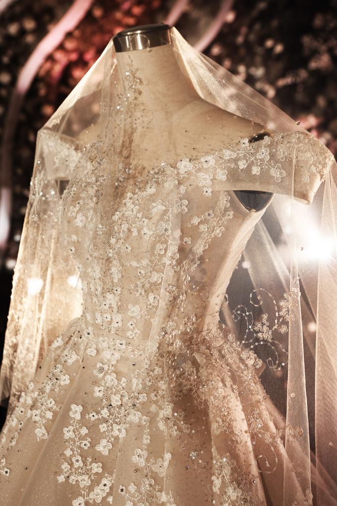 Váy cưới đính 28.000 pha lê, đá quý của Rich kid Trinh Hoàng 1