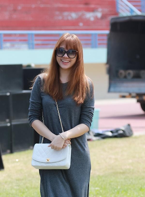 Trường Giang - Nhã Phương phải 'chạy dài' theo gout hàng hiệu của Trấn Thành - Hari Won 13