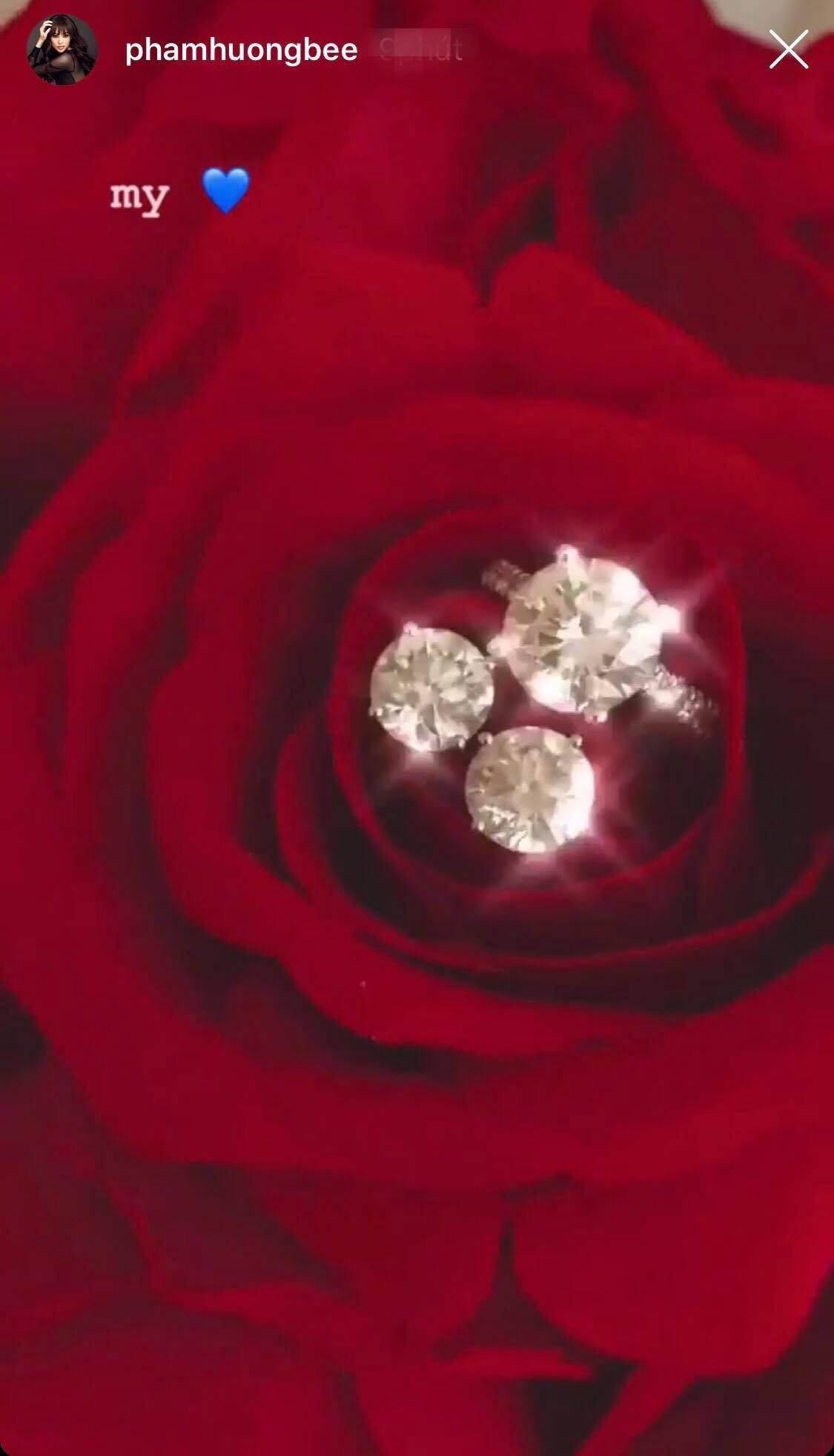 Quà kim cương cực khủng của Phạm Hương được đại gia tặng trên đất Mỹ 1