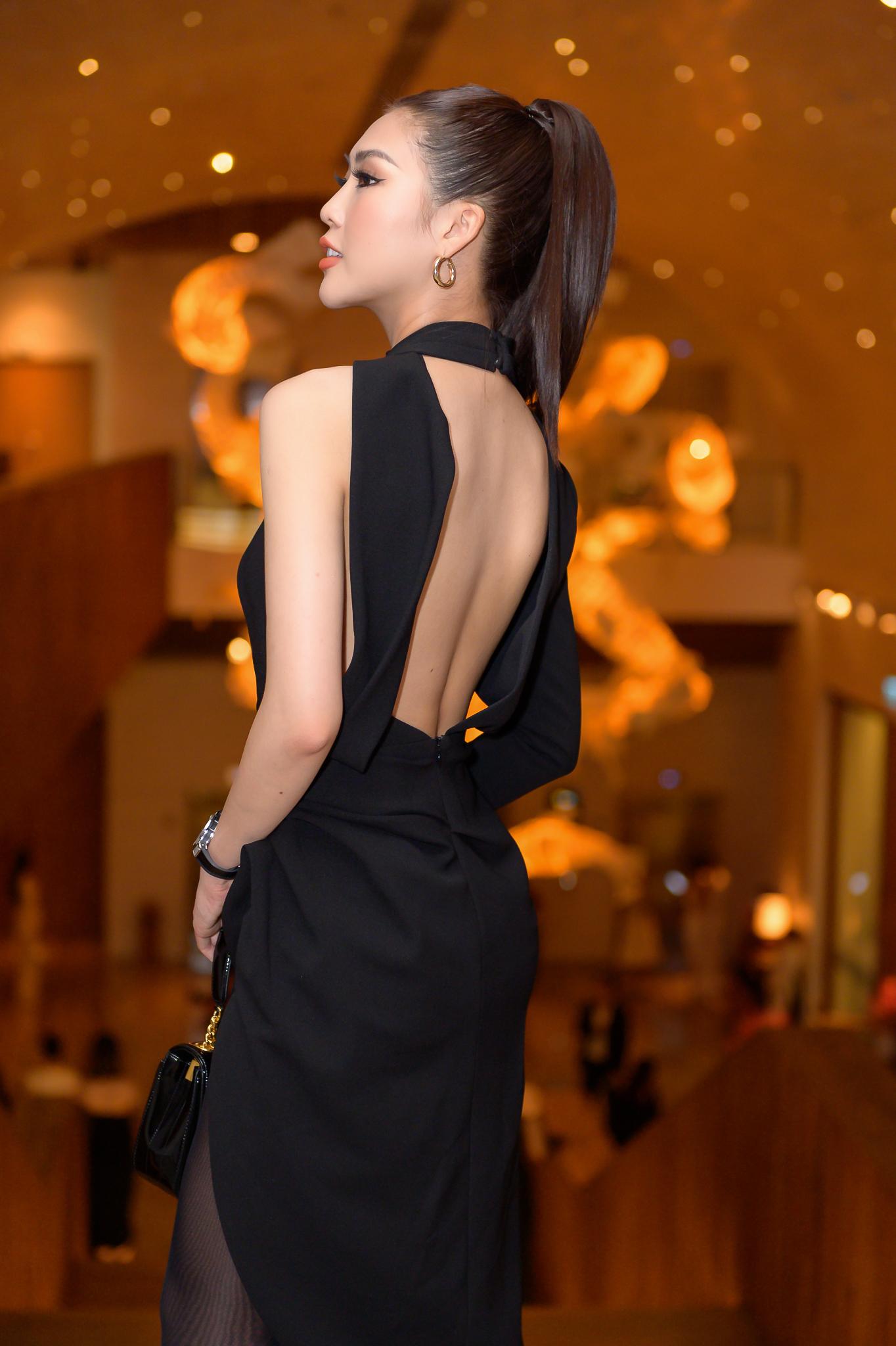 Chân dài Tường Linh diện váy xẻ sâu, khoe vẻ đẹp hút hồn đi sự kiện 3