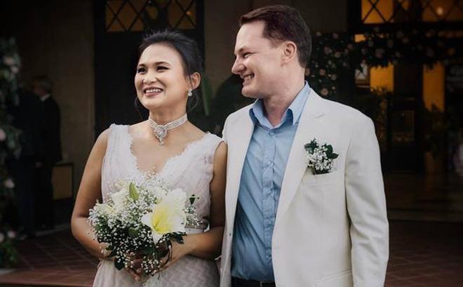 Tiết lộ người vợ mới giàu có của chồng cũ Hồng Nhung 1