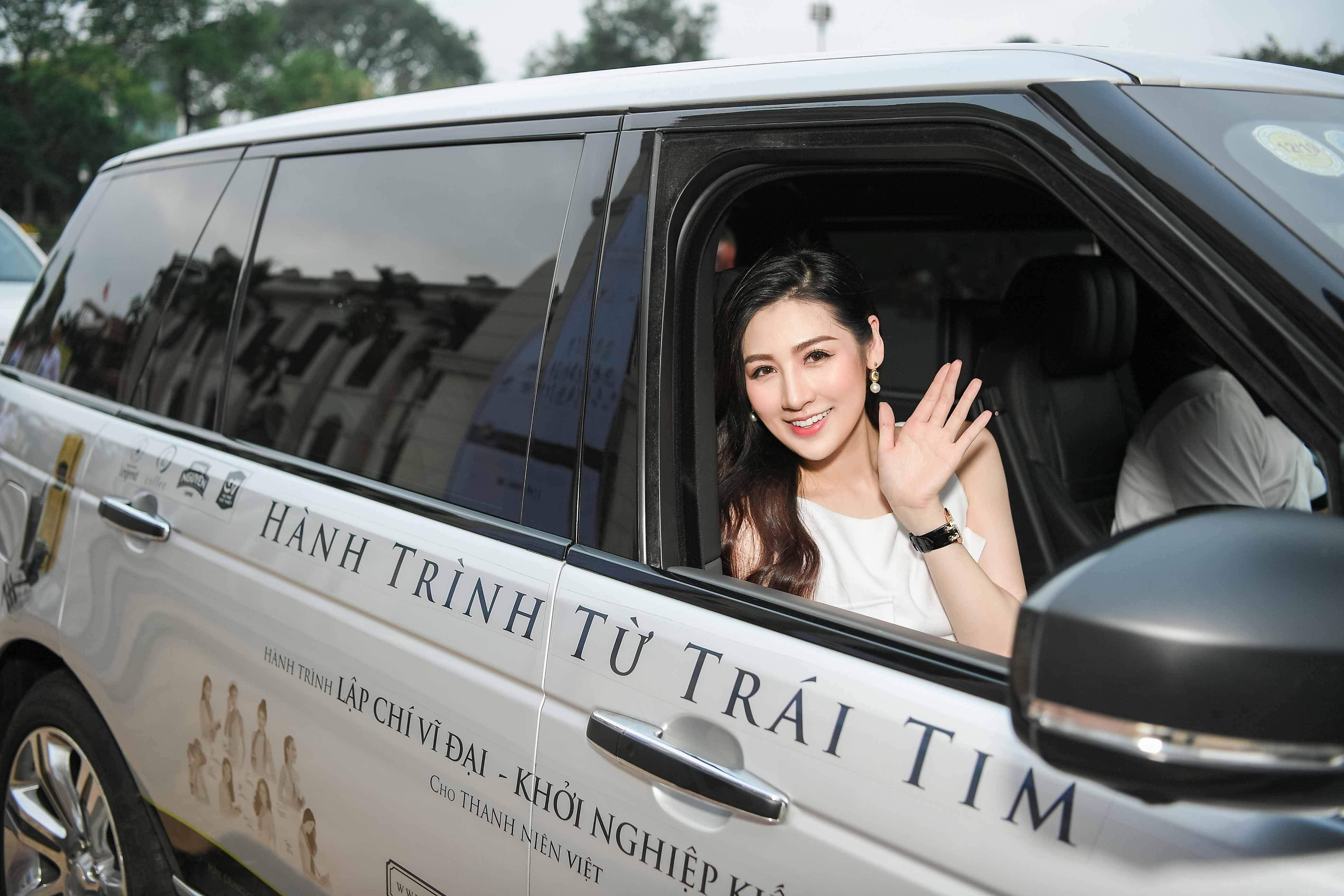 Dàn hoa hậu, á hậu gắn liền với siêu xe của vua cafe Đặng Lê Nguyên Vũ 3